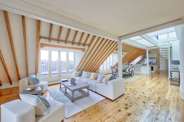 Thumbnail 3 bedroom flat for sale in Wyfold Road, London