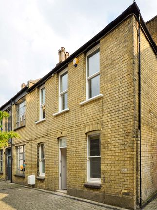 Thumbnail Mews house to rent in Blackstock Mews, Finsbury Park
