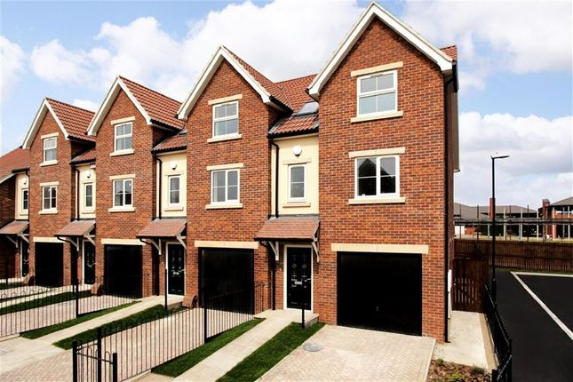 Thumbnail Town house to rent in Redfearn Mews, Harrogate