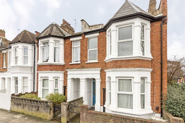 Thumbnail Flat to rent in Goodwin Road, London