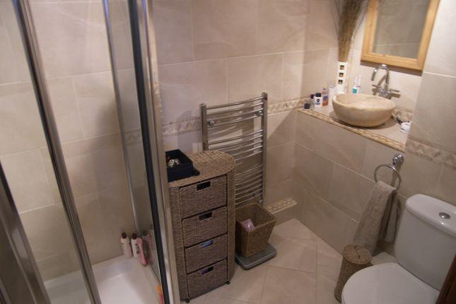 Shower En Suite Master Bed