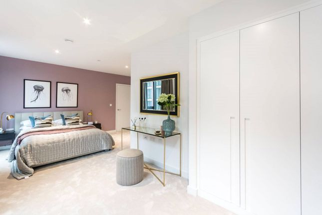 Thumbnail Property for sale in Masthead House, Admiralty House, 5 Royal Crest Avenue, Royal Wharf