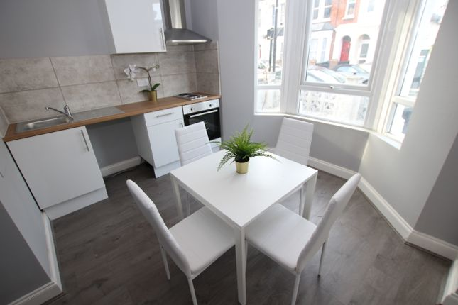 Thumbnail Flat to rent in Suffield Road, London