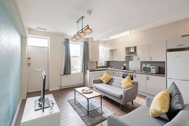 1 bed property to rent in North Lane, Headingley, Leeds LS6