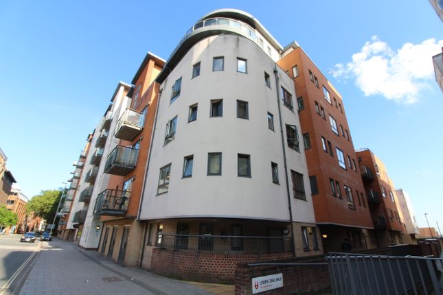 Thumbnail Flat for sale in Lower Canal Walk, Southampton
