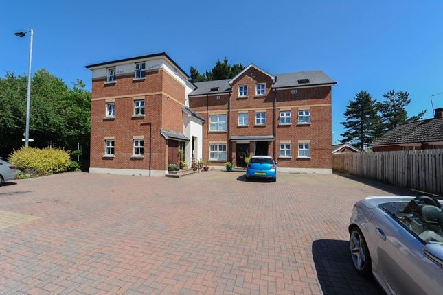 Thumbnail Flat for sale in Rosepark, Stormont, Belfast