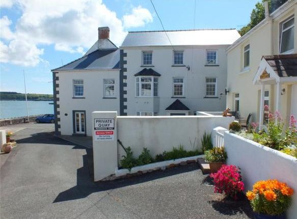 6 bed end terrace house for sale in Hakin Point, Milford Haven SA73