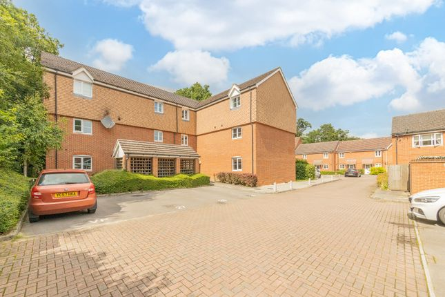 2 bed flat for sale in Poperinghe Way, Arborfield, Reading RG2
