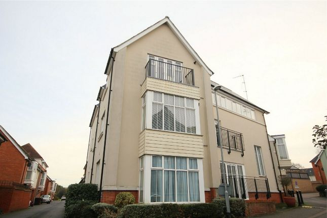 Thumbnail Flat for sale in Lambourne Chase, Chelmsford, Essex