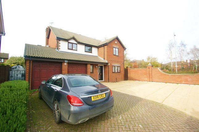 4 bed property to rent in Antelope Avenue, Grays RM16
