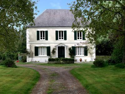 10 bed equestrian property for sale in Torigni-Sur-Vire, Calvados, France