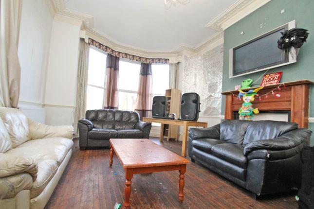 Thumbnail Semi-detached house to rent in Grosvenor Road, Headingley, Leeds