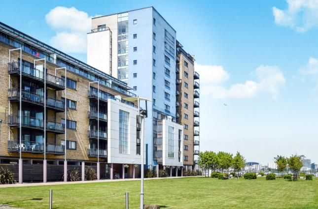 Thumbnail Flat for sale in Lady Isle House, Ferry Court, Cardiff, Caerdydd