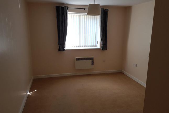 Bedroom of Carlton Court, Barnsley, South Yorkshire S71