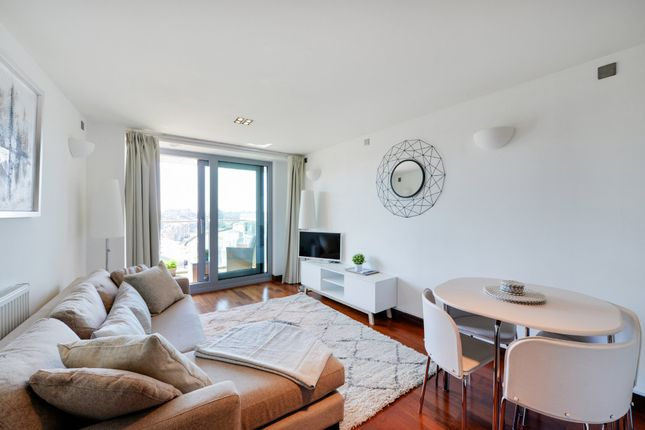 Thumbnail Flat for sale in Altura Tower, Battersea