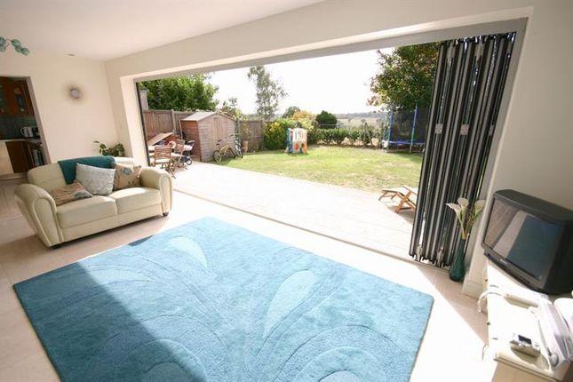 Thumbnail Bungalow to rent in The Ridgeway, Enfield