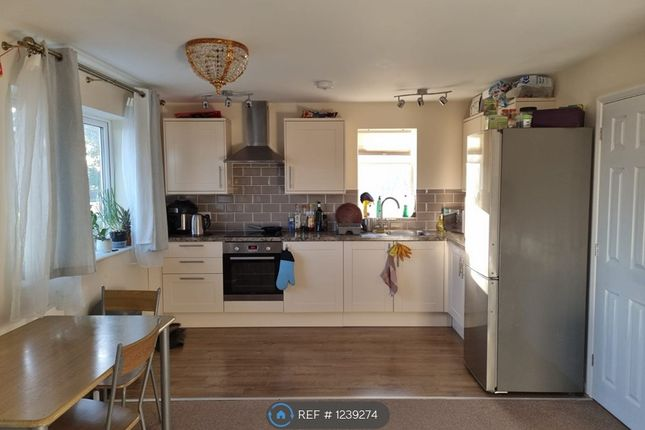 Thumbnail Flat to rent in Peachey Lane, Uxbridge