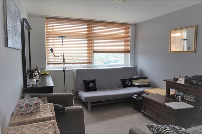 1 bed flat for sale in 33 Shepherds Bush Green, Shepherds Bush