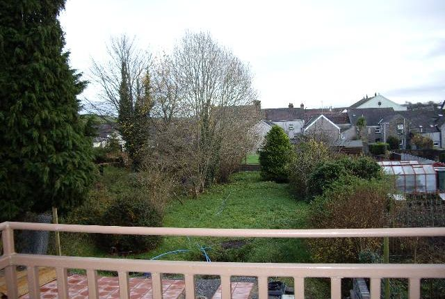 2 bed flat to rent in Richmond Terrace, Carmarthen, Carmarthenshire SA31