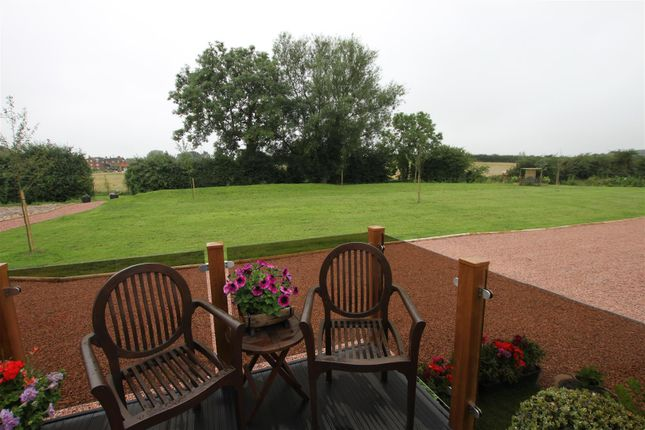 Goose meadow holiday park west end barton in the beans cv13 2 bedroom mobile park home for - The mobile home in the meadow ...