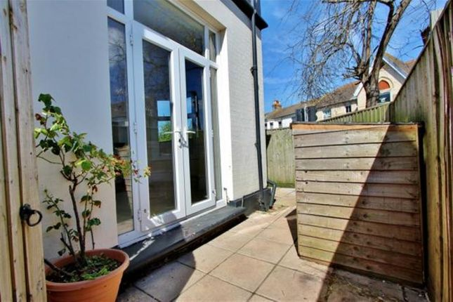 Thumbnail Flat to rent in Oxford Road, Worthing, West Sussex
