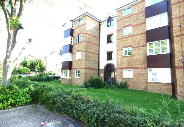 Main Picture of Thurlow Close, Higham Station Avenue, Chingford E4