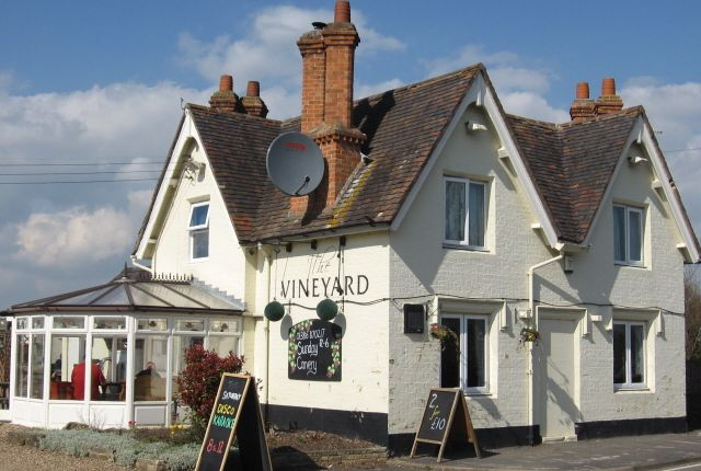 Thumbnail Pub/bar for sale in Abbots Salford, Evesham