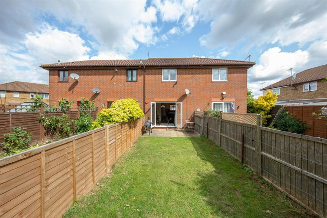 Thumbnail Terraced house for sale in Readers Close, Dunstable, Bedfordshire