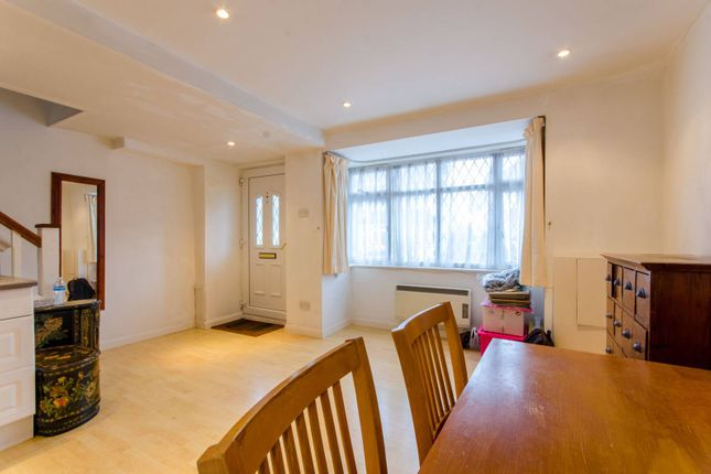 Thumbnail Property for sale in Emma Lodge, Oakfield Road, Finchley