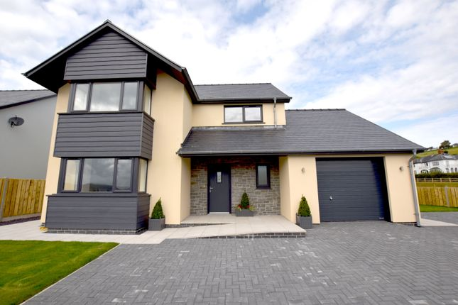 Thumbnail Detached house for sale in Cefn Ceiro, Llandre
