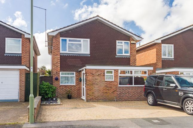 Thumbnail Detached house for sale in Farm Close, Ringwood