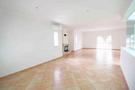 Image 4 4 Bedroom Villa - Central Algarve, Faro (Pv3541)