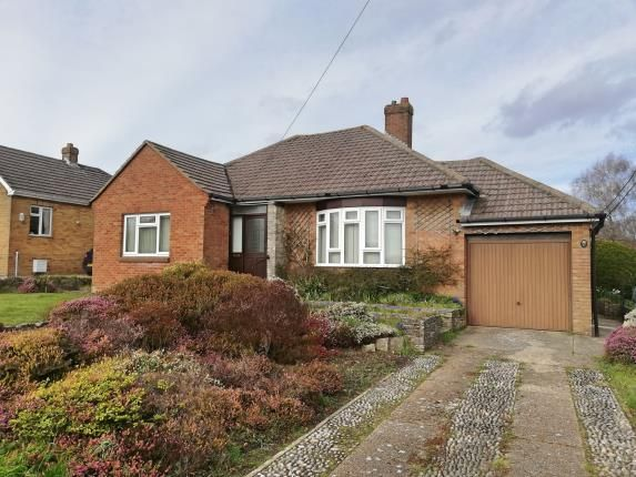 Thumbnail Bungalow for sale in Botley, Hampshire, England