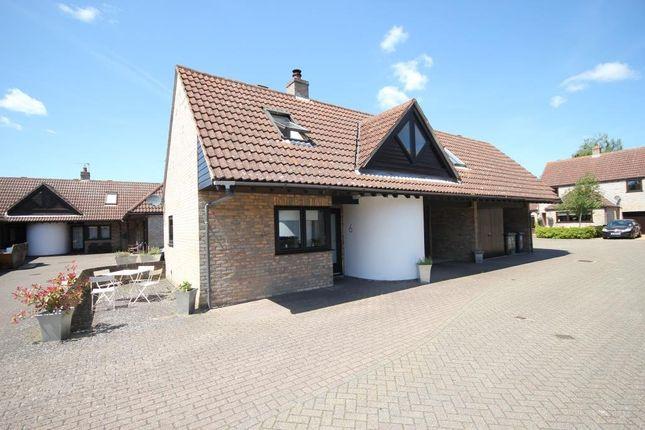 2 bed link-detached house to rent in College Farm Court, Fen Drayton, Cambridge, Cambridgeshire