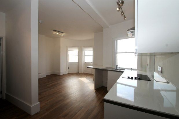1 bed flat to rent in Marine Parade, Brighton BN2