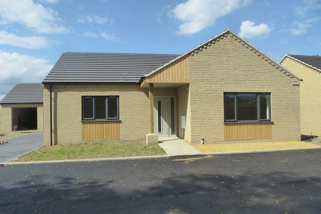 Thumbnail Detached bungalow for sale in Leverington Common, Leverington, Wisbech