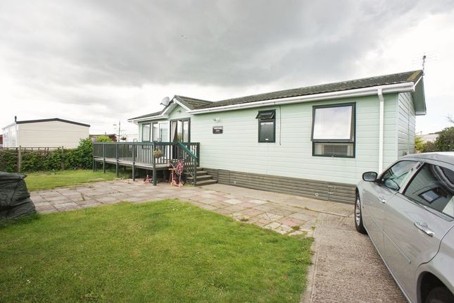 Thumbnail Flat for sale in Flag Hill, Great Bentley, Colchester