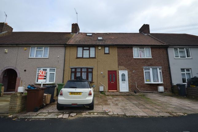 Thumbnail Terraced house to rent in Meadow Road, Dagenham