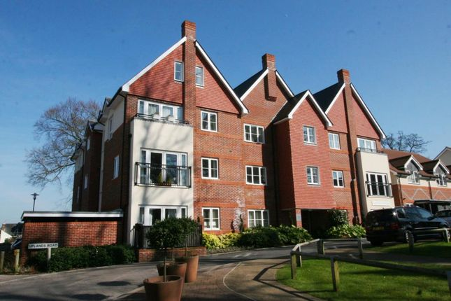 1 bed flat to rent in Uplands Road, Guildford, Surrey
