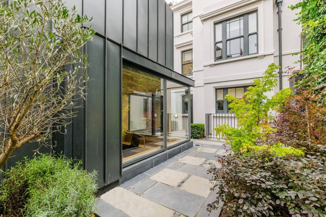 Thumbnail Property to rent in Clerkenwell Close, Clerkenwell