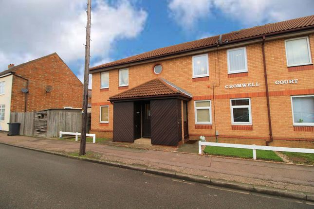Thumbnail Flat to rent in Cromwell Court, Farrer Street, Kempston, Bedford