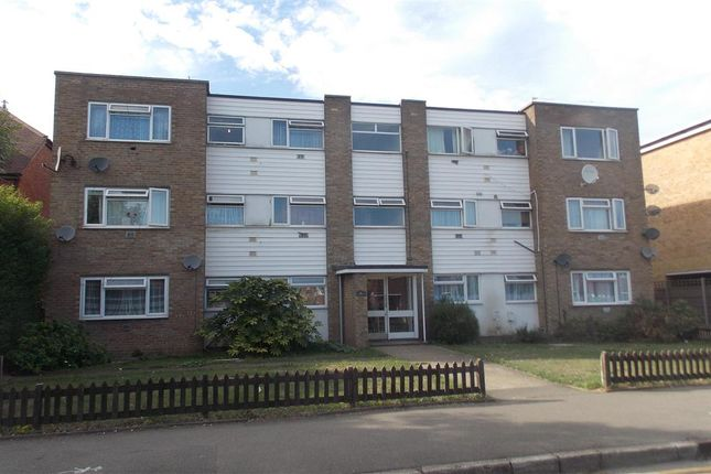 Thumbnail Flat for sale in Hatton Road, Bedfont, Feltham