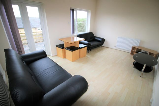 4 bed property to rent in Slaidburn Drive, Scotforth, Lancaster LA1