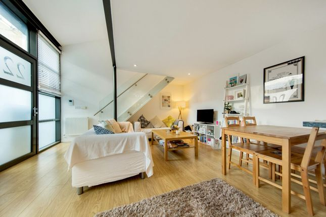 Thumbnail Mews house to rent in Valentia Place, Brixton, London