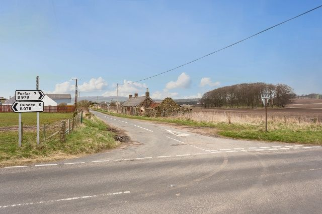 Thumbnail Commercial property for sale in Forfar, Dundee, Angus