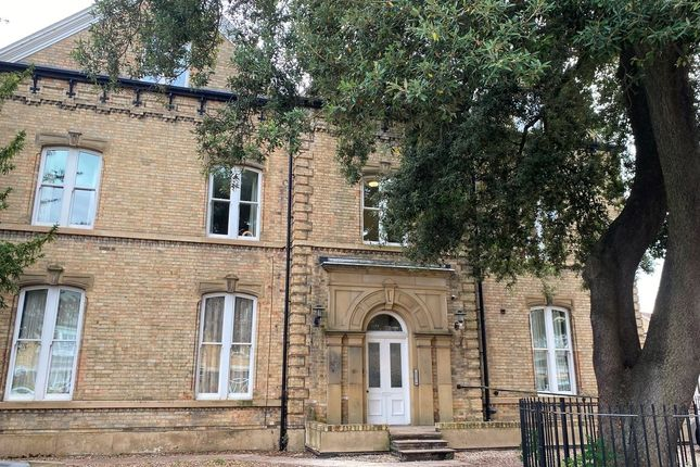 Thumbnail Flat to rent in South Street, Cottingham