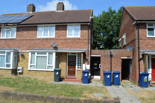 Thumbnail Terraced house to rent in Darwin Road, Southall