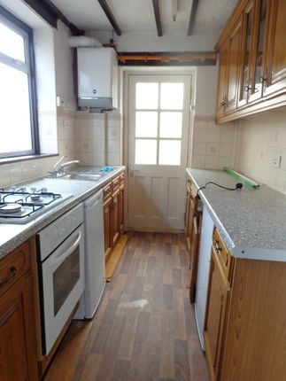 Thumbnail Semi-detached house to rent in Cassiobury Avenue, Feltham