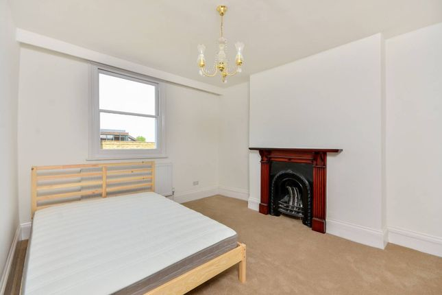Thumbnail Property to rent in Kennington Park Road, Kennington