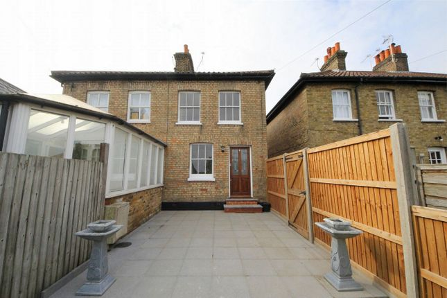 Thumbnail Cottage for sale in Harwoods Yard, London